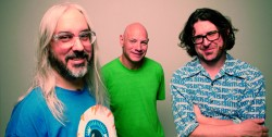 Bands: New Dinosaur Jr out in August