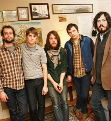 Records: Fleet Foxes announce new record; release new song