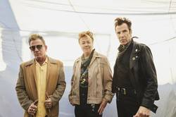 Records: Stray Cats release a new video