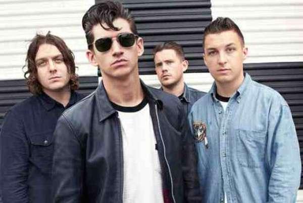 "Arctic Monkeys perform new song ""Do I Wanna Know?"""