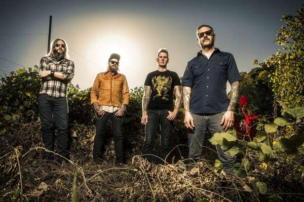 Mastodon plays with the fishes
